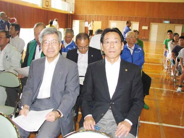 式典参加の会長と幹事