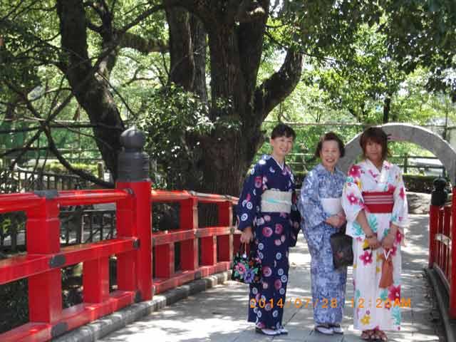 留学生と岡崎公園散策