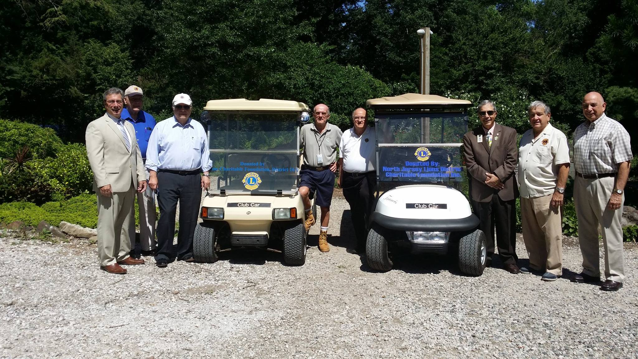 Wayne Lions and Lions District 16N donate Golf Carts to Laurelwood