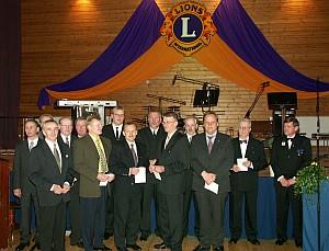 Palkittuja klubilaisia 30-vuotisjuhlassa v. 2004.