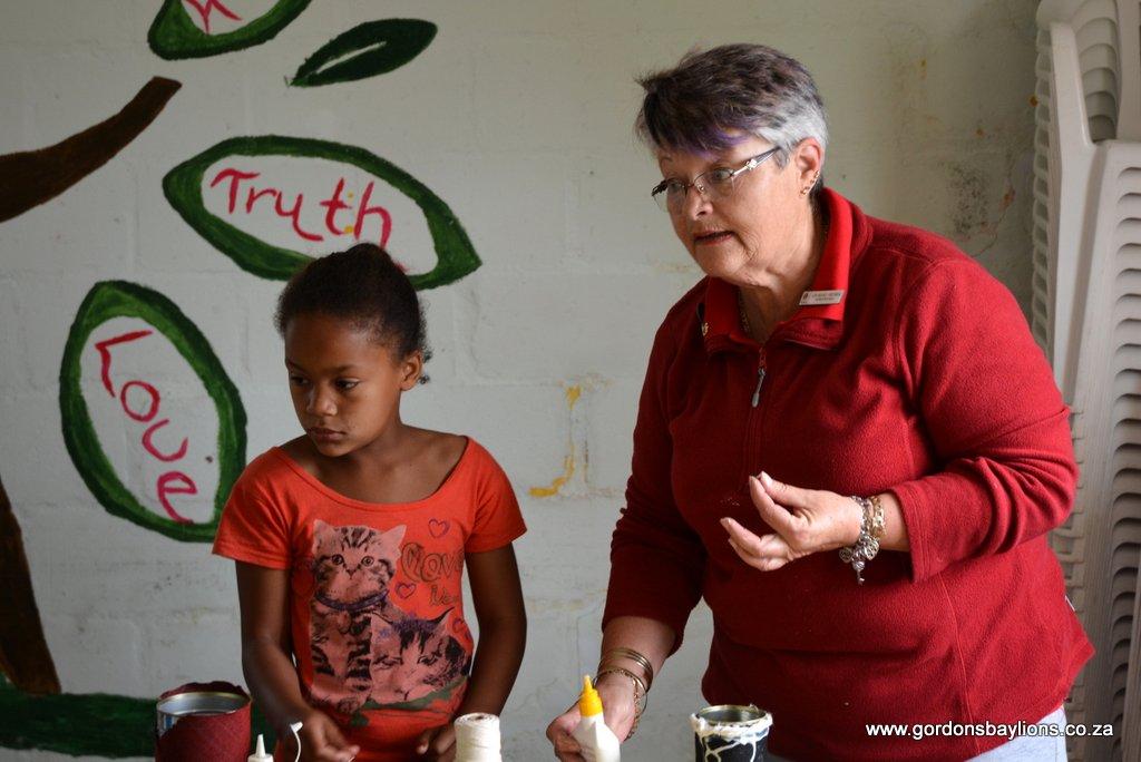 Lion Michele Pretorius having a serious speach to the kids
