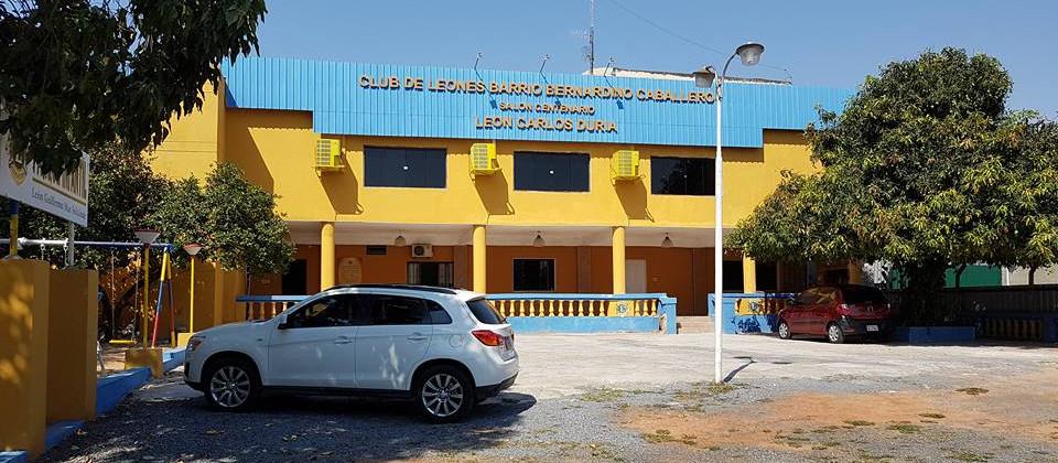 Fachada del Club de Leones Asunción Barrio Gral. Bernardino Caballero
