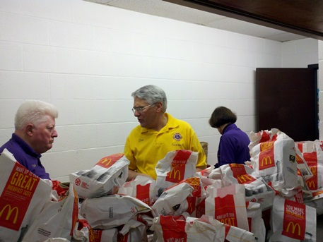 Columbia and Willimantic Lions serve lunch
