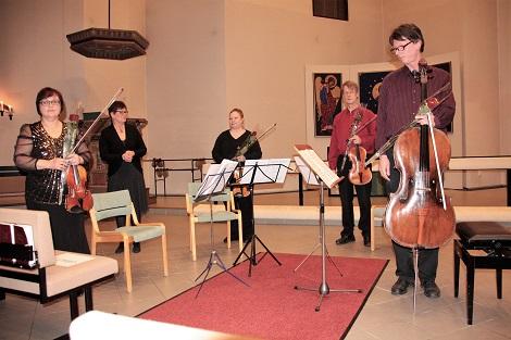 Lions-ladyt järjestävät vuosittain kirkkokonsertin, josta saatavat varat käytetään kokonaan hyväntekeväisyyteen.