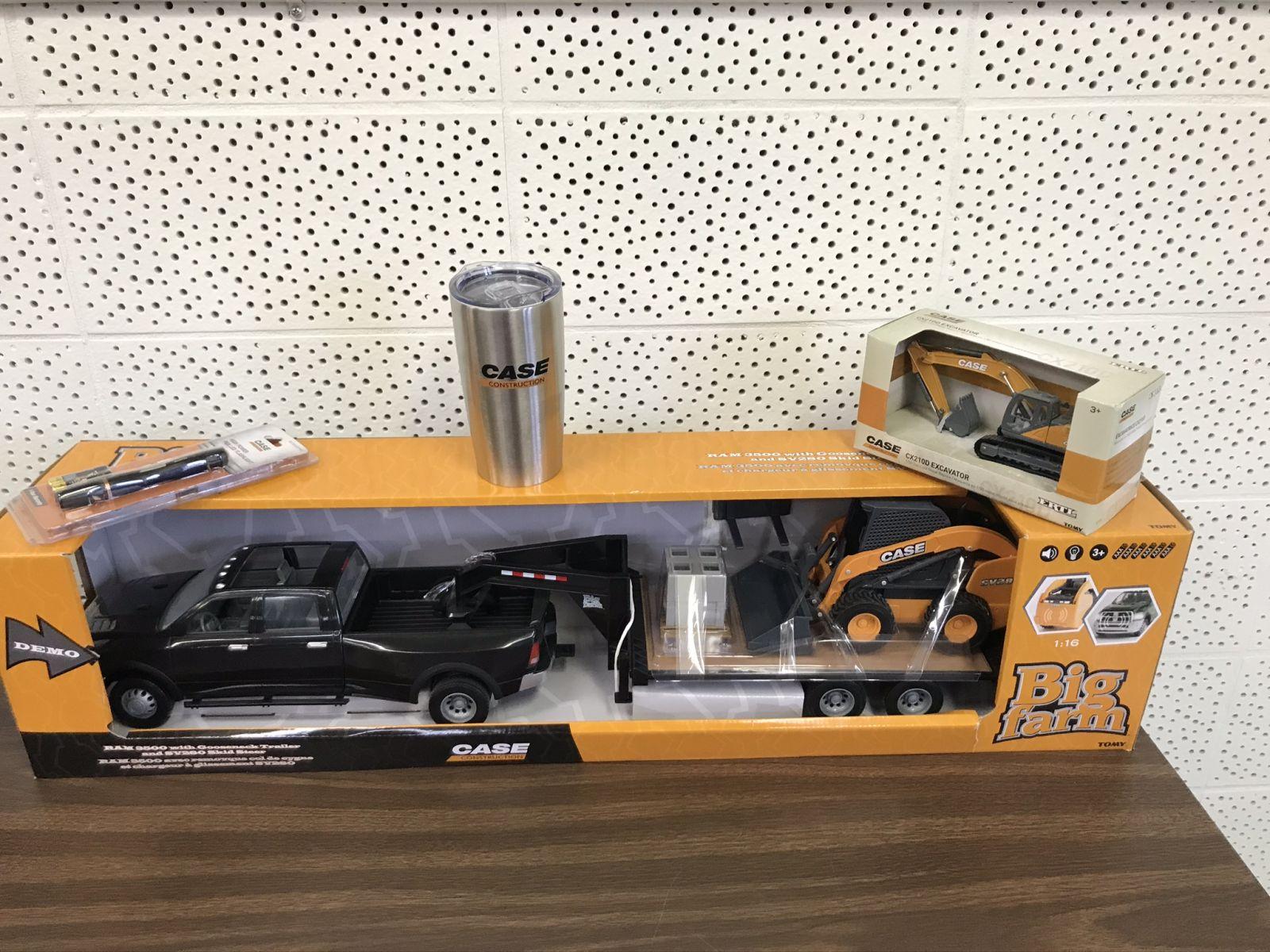 Case Truck set & Excavator & flashlight,