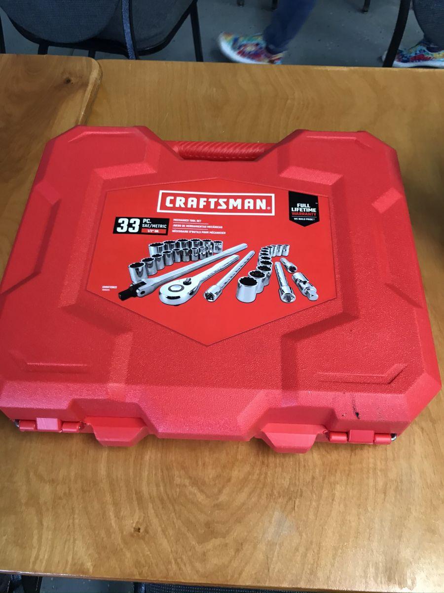 33 piece mechanic's tool set
