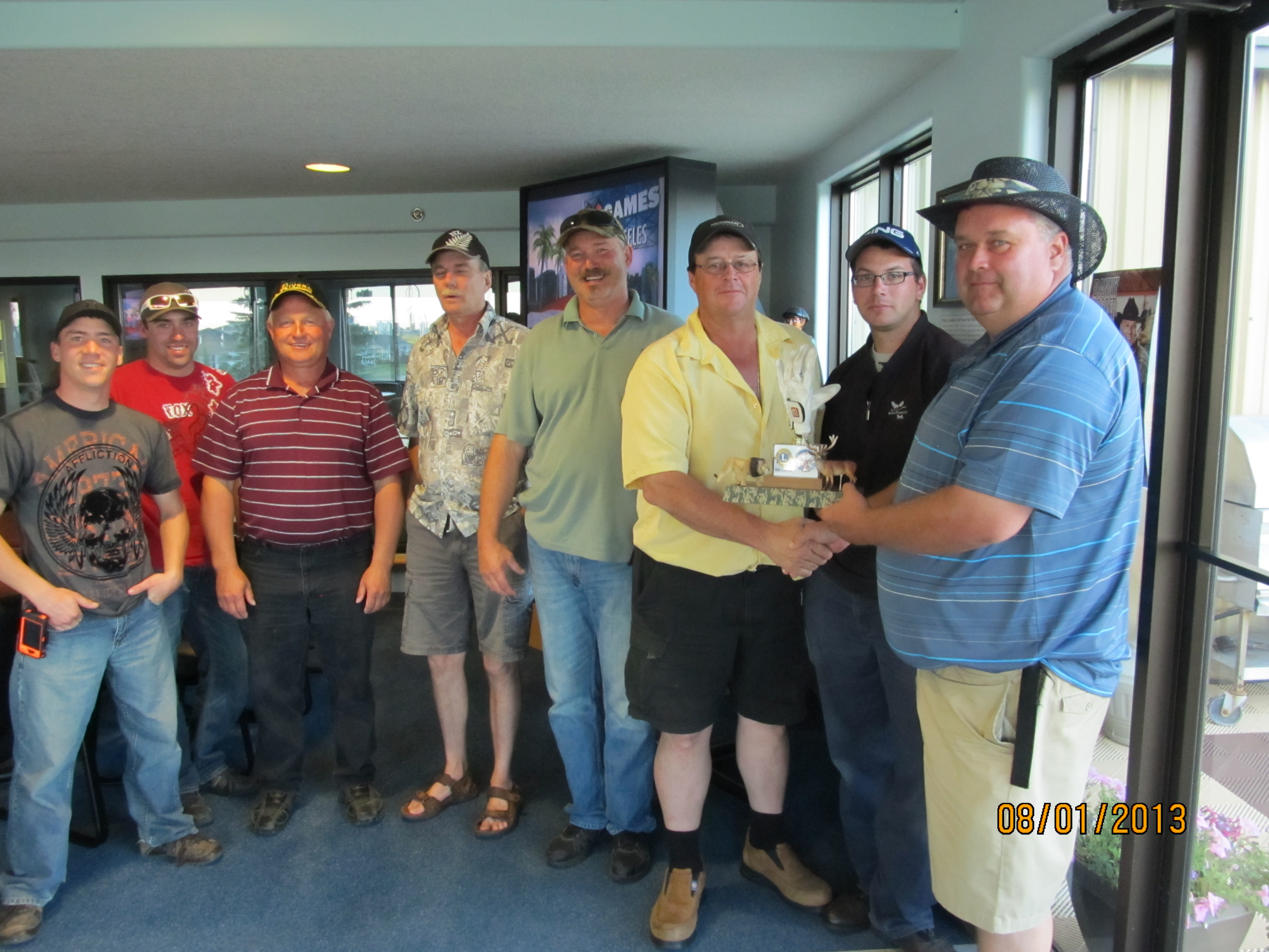 Elks win Lions/Elks golf match to raise funds for junior golf in Viking