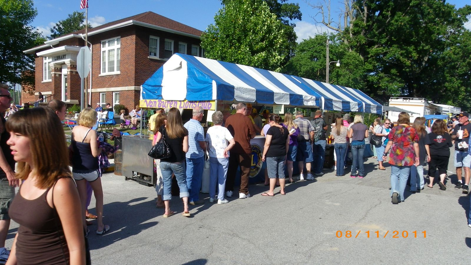 Short Line for Lion's Club Tenderloins