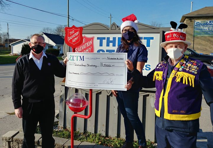 Due to Covid-19 the Mount Brydges Lions Club is unable to man the kettles this season in the Mount Brydges area.  Caradoc Townsend Mutual Insurance in partnership with the Lions Club is pleased to kick off the Salvation Army 2020 Christmas Kettle Campaign with a $5,000.00 donation.  Knowing that the Kettle Campaign may face unusual challenges this year, we hope that the public will be generous with their donations in this time of great need.  Captain Jason has advised that donations can also be made on line by visiting the Strathroy  Salvation Army site.  Pictured below: Captain Jason Dannock, Strathroy Salvation Army, Susan Clarke, Director at Caradoc Townsend Mutual Insurance and Jerry Veale, Mount Brydges Lions Club