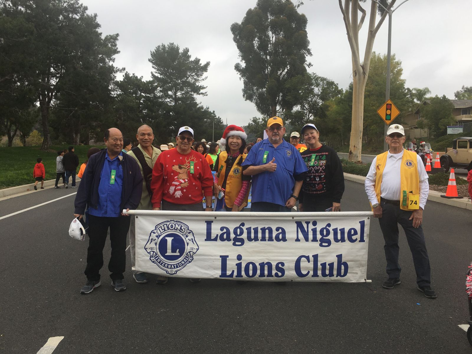 Laguna Niguel Lions marching in 2019 Holiday Parade