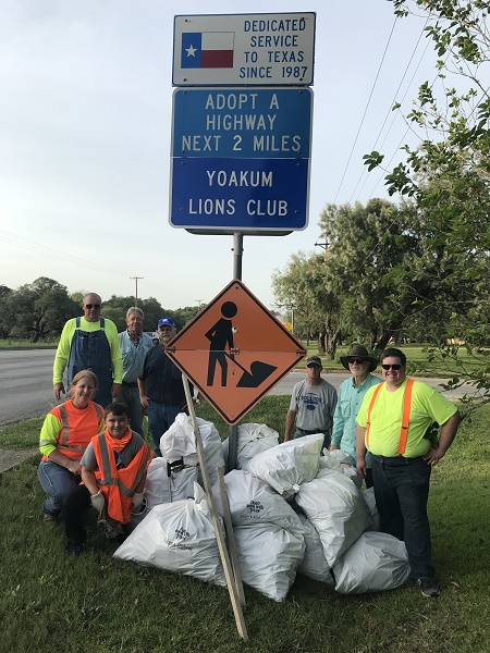 Yoakum Lions Club Trash Pickup