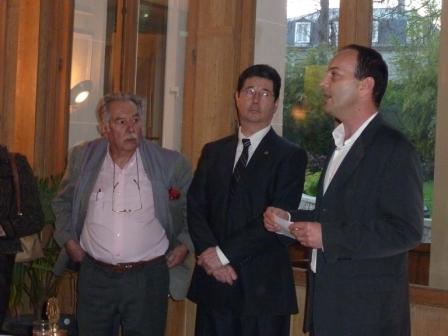 Remise d'un chèque de 1500 euros à SOS BEBE produit de la vente de capsules